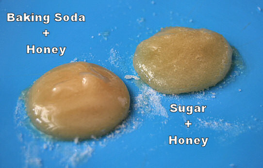 baking_soda_sugar_honey_face_scrub